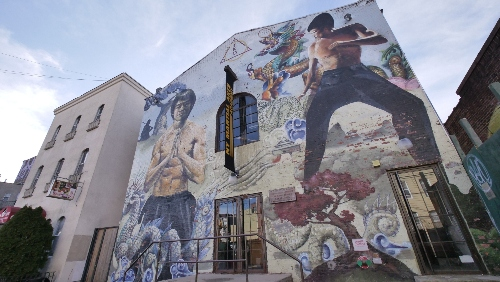 Bruce Lee mural on NY Martial Arts Academy location in Brooklyn.